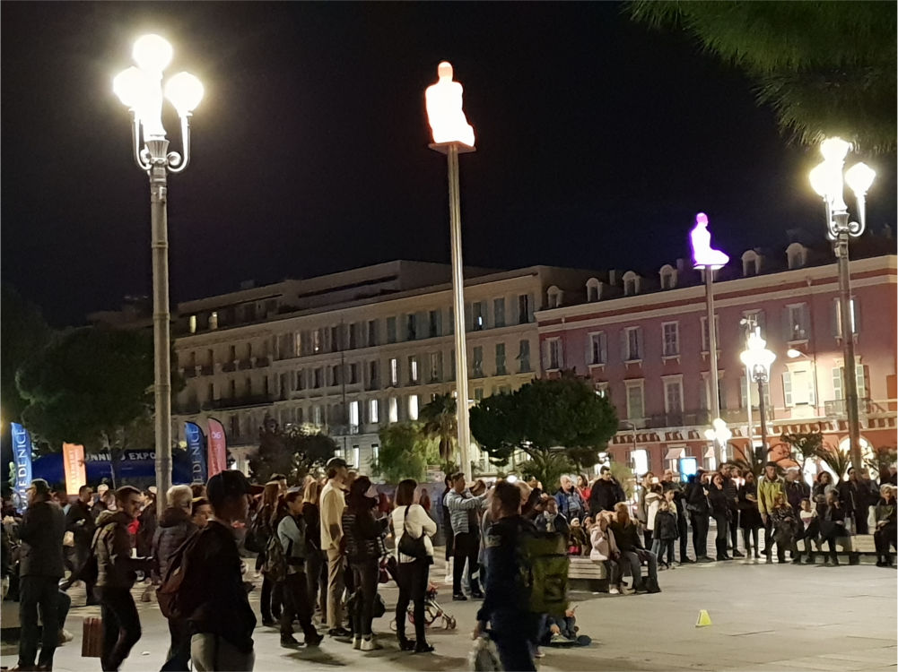 Ein Tag in Nizza: Place Masséna